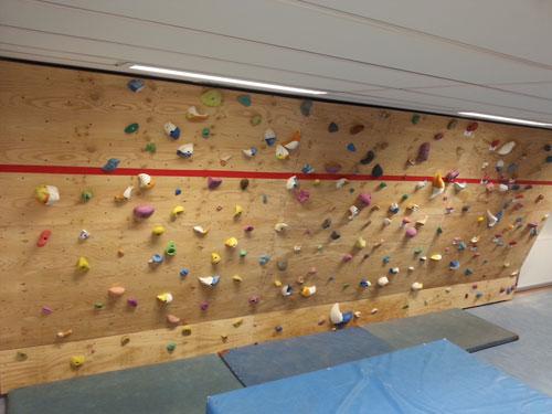 Neue Boulderanlage im Ernst-Mach-Gymnasium (München-Haar)
